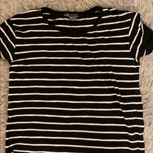 Vince T shirt black and white stripe XS
